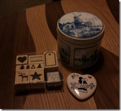 littlebit_bod share the pretty tin. The stamps are all mine though at least until next Christmas